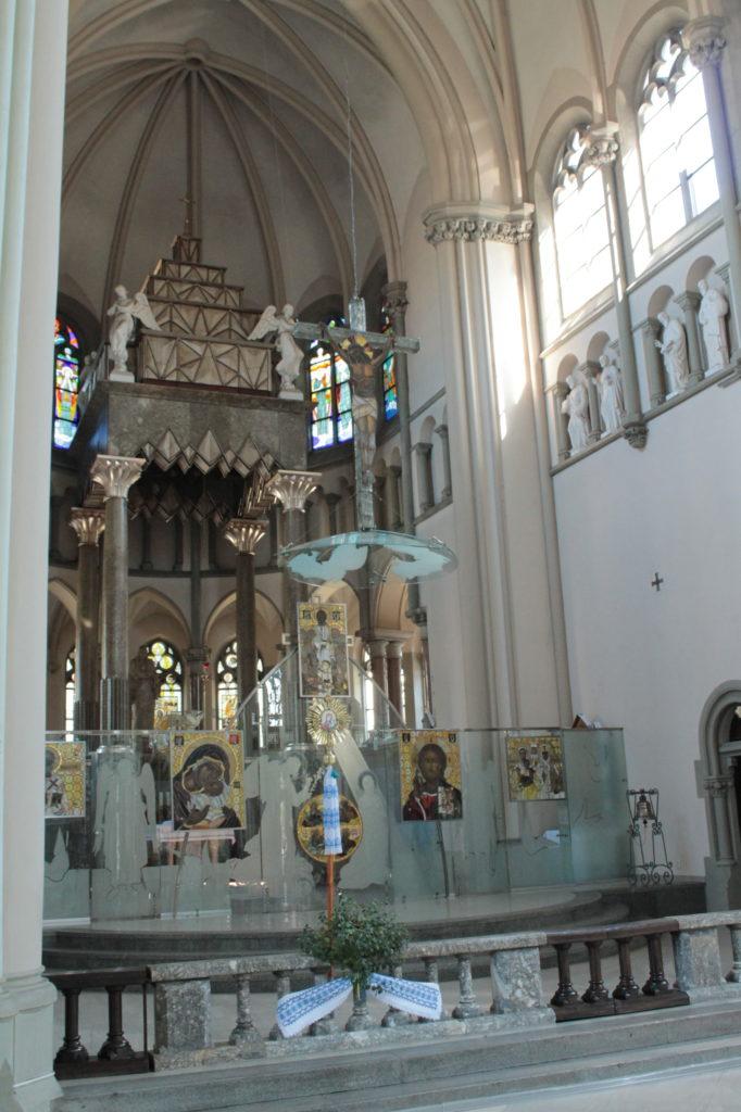 Kościół Św. Elżbiety - dachami Lwowa
