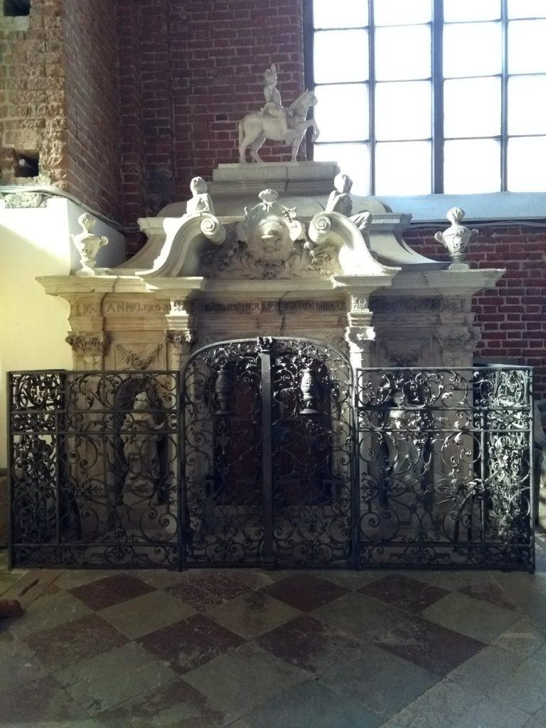 we wnętrzu kościoła św. Piotra w Rydze