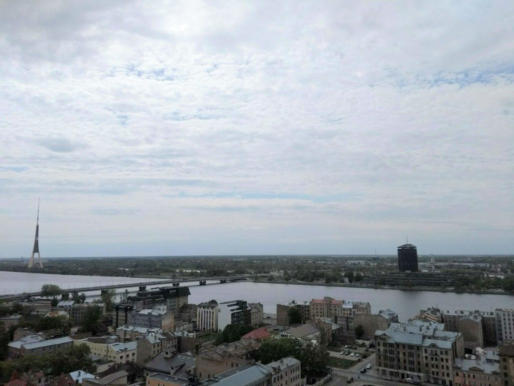 punkt widokowy z wieżowca Akademii Nauk Łotwy